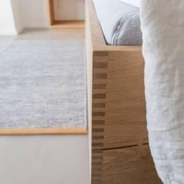 Ballentin Design® / Foto: Anja Bloch-Hamre. Sengeramme i massiv eg.