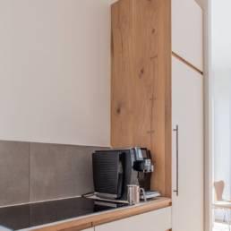 Ballentin Design® / Foto: Anja Bloch-Hamre. Køkkendetaljer. Side i massiv eg.